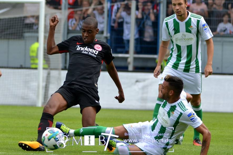 Etr Frankfurt vs Real Betis (42)